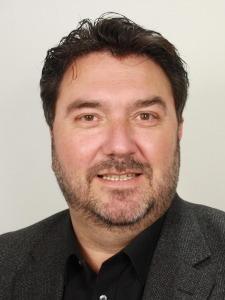 Portretfoto van Jur Botter, wethouder Kunst en Cultuur in Haarlem